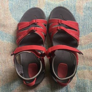 Teva size 8 red hiking sandals